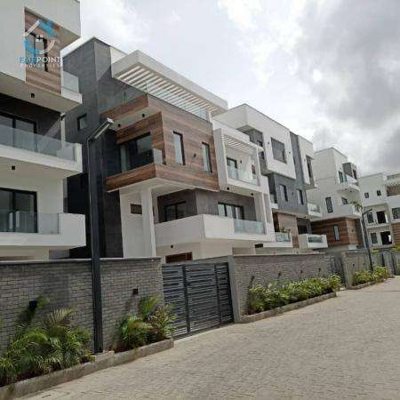 5 bedroom semi-detached duplex for sale in banana Island, Lagos